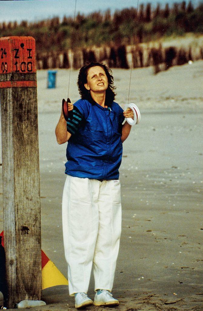 mit Lenkdrachen am Strand